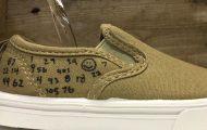 Δείτε τι συμβαίνει όταν πέφτει θειικό οξύ πάνω σε παπούτσια