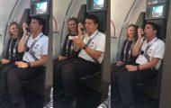 Αεροσυνοδός χαρίζει άφθονο γέλιο στους επιβάτες με μιμήσεις των Looney Tunes