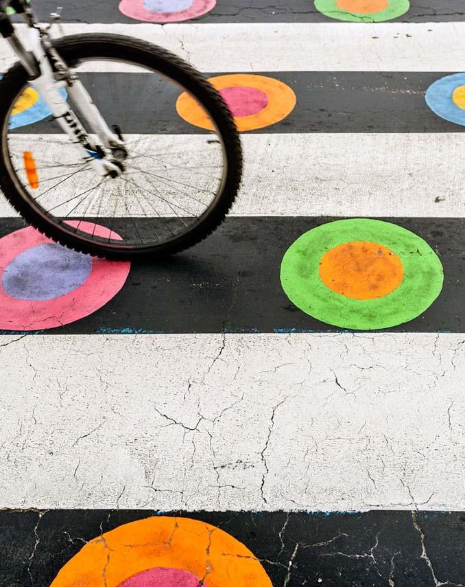 Διαβάσεις πεζών στη Μαδρίτη μετατράπηκαν σε χρωματιστά έργα τέχνης (4)