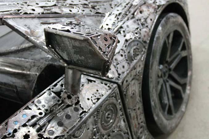 Καλλιτέχνες δημιούργησαν εντυπωσιακά γλυπτά αυτοκινήτων με παλιοσίδερα (5)
