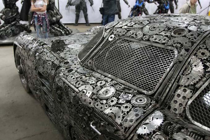 Καλλιτέχνες δημιούργησαν εντυπωσιακά γλυπτά αυτοκινήτων με παλιοσίδερα (6)