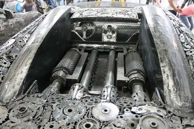 Καλλιτέχνες δημιούργησαν εντυπωσιακά γλυπτά αυτοκινήτων με παλιοσίδερα (8)