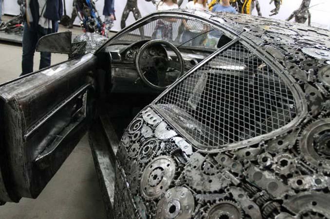 Καλλιτέχνες δημιούργησαν εντυπωσιακά γλυπτά αυτοκινήτων με παλιοσίδερα (10)