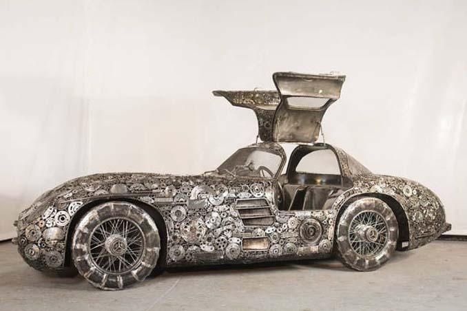 Καλλιτέχνες δημιούργησαν εντυπωσιακά γλυπτά αυτοκινήτων με παλιοσίδερα (12)