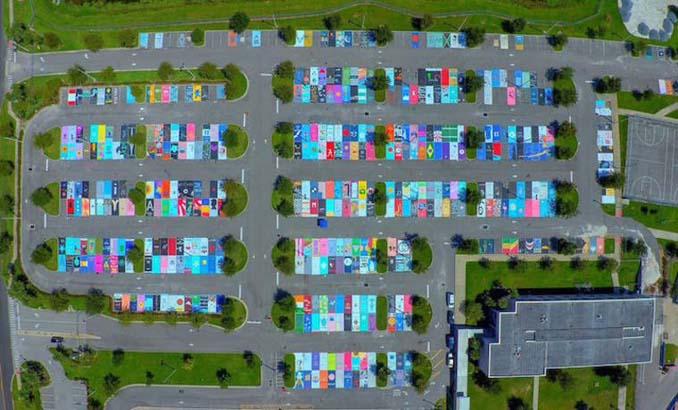 Μαθητές λυκείου στις ΗΠΑ βάφουν τις θέσεις πάρκινγκ τους (2)