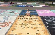 Μαθητές λυκείου στις ΗΠΑ βάφουν τις θέσεις πάρκινγκ τους (13)