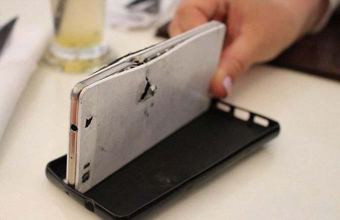 Νοτιοαφρικανός επιχειρηματίας σώθηκε από σφαίρα χάρη στο Smartphone του (3)