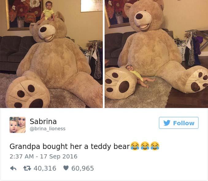 Παππούς πήρε στην εγγονή του ένα υπερβολικά γιγάντιο αρκουδάκι και το Internet τρελάθηκε (8)