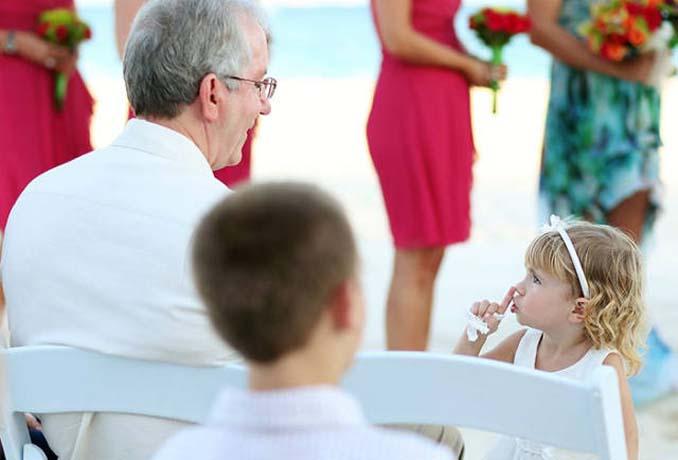 Παρανυφάκια που έκλεψαν την παράσταση σε γάμους (8)