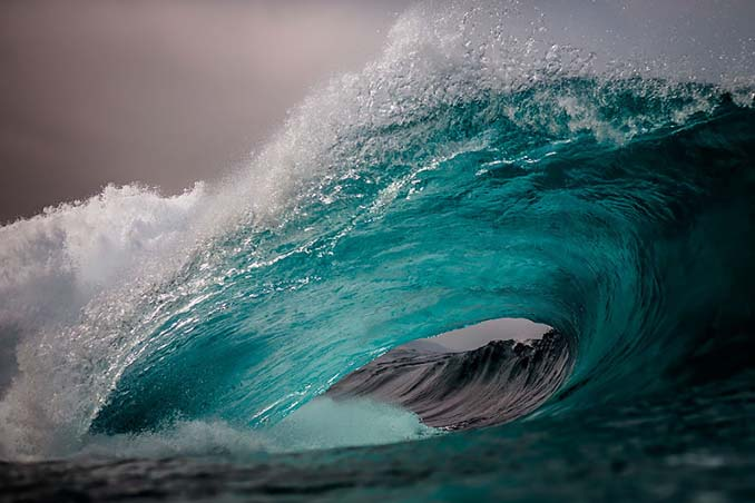 Πέρασε 6 χρόνια φωτογραφίζοντας τα κύματα και αυτό είναι το αποτέλεσμα (20)