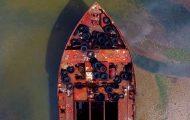 Πετώντας με drone πάνω από ένα νεκροταφείο πλοίων