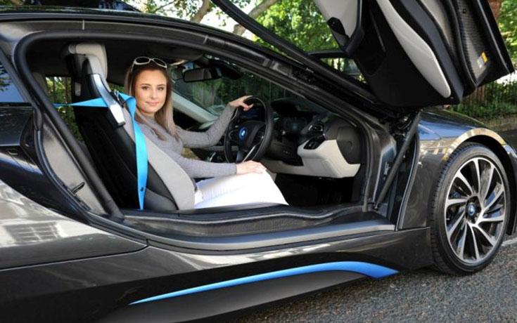 Σχολή οδηγών στο Λονδίνο προσφέρει μαθήματα οδήγησης σε BMW Supercar (1)
