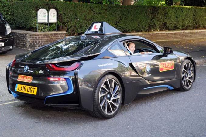 Σχολή οδηγών στο Λονδίνο προσφέρει μαθήματα οδήγησης σε BMW Supercar (3)