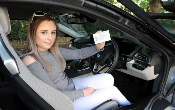 Σχολή οδηγών στο Λονδίνο προσφέρει μαθήματα οδήγησης σε BMW Supercar (4)
