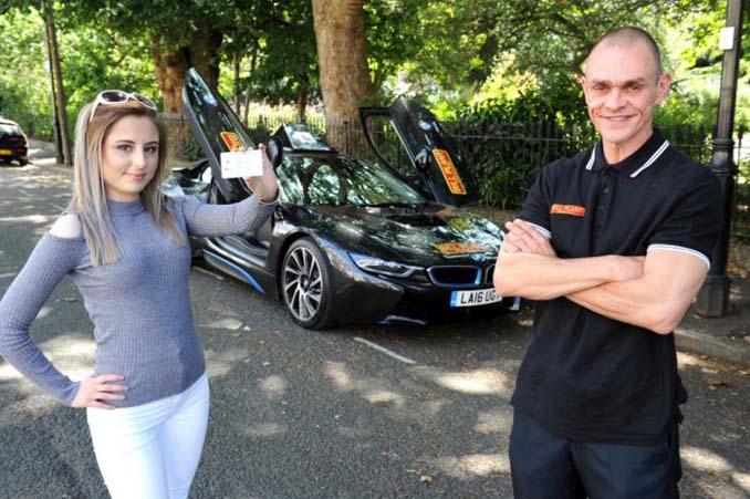 Σχολή οδηγών στο Λονδίνο προσφέρει μαθήματα οδήγησης σε BMW Supercar (5)