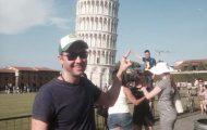 Τρολάροντας τους τουρίστες στον Πύργο της Πίζας (1)
