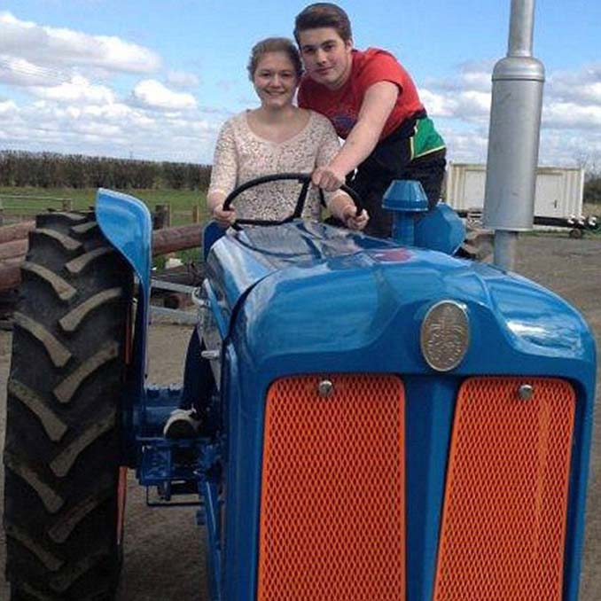 19χρονη φοιτήτρια εργάζεται ως οδηγός νταλίκας (7)
