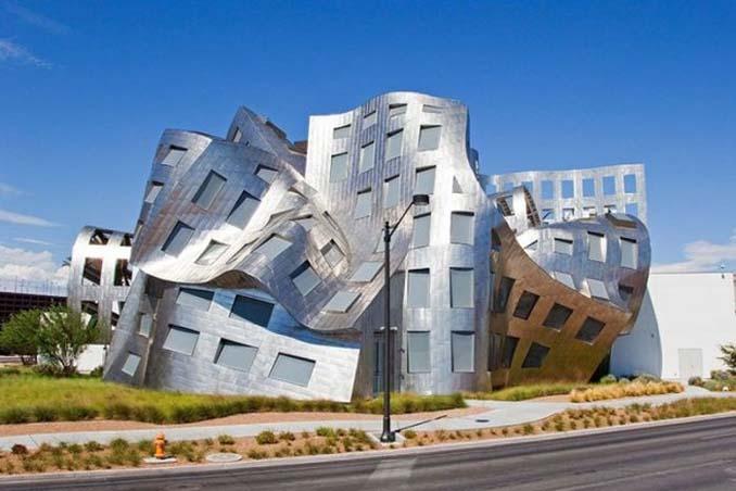 Ασυνήθιστα κτίρια που καταφέρνουν να τραβήξουν όλα τα βλέμματα (2)