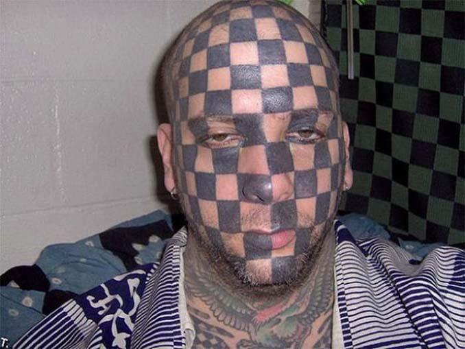 Εκκεντρικά ή αποτυχημένα τατουάζ που σε κάνουν να απορείς (7)