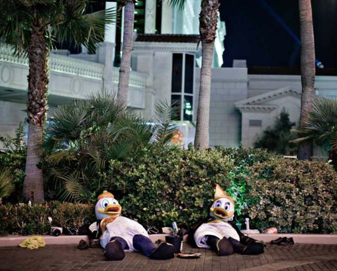 Φωτογράφος καταγράφει την θλιβερή πλευρά του Λας Βέγκας