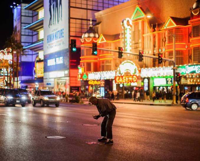 Φωτογράφος καταγράφει την θλιβερή πλευρά του Λας Βέγκας (6)