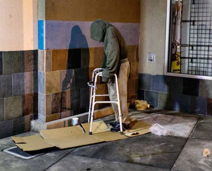 Φωτογράφος καταγράφει την θλιβερή πλευρά του Λας Βέγκας (8)