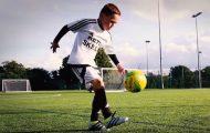 Οι ικανότητες αυτού του 8χρονου με την μπάλα θα σας εντυπωσιάσουν