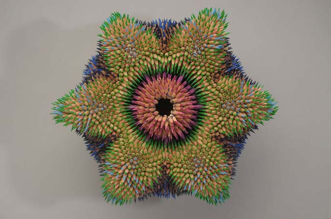 Η Jennifer Maestre μετατρέπει απλά μολύβια σε απόκοσμα γλυπτά (7)