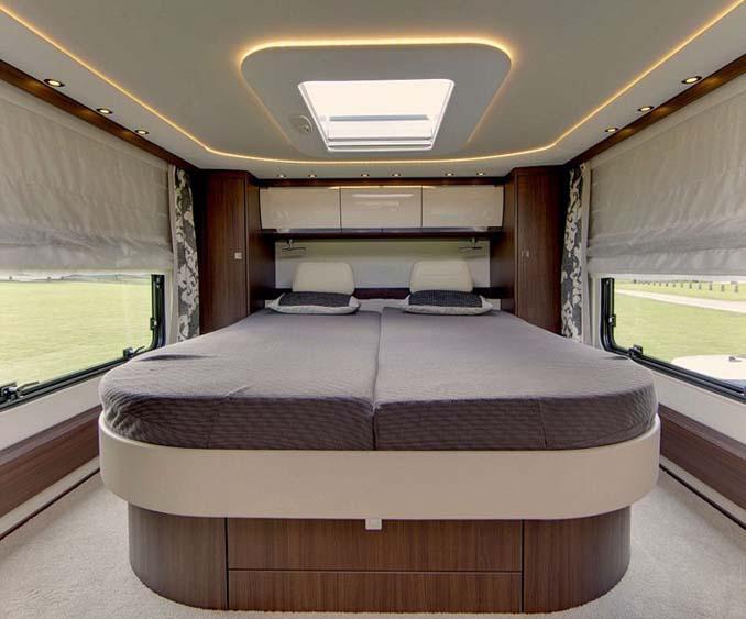 Μοντέρνο αυτοκινούμενο παλάτι αξίας 420.000 ευρώ (3)