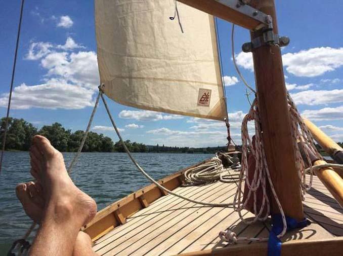 Ζευγάρι ταξίδεψε από την Αγγλία στην Γαλλία με σκάφος που κατασκεύασαν μόνοι τους (2)
