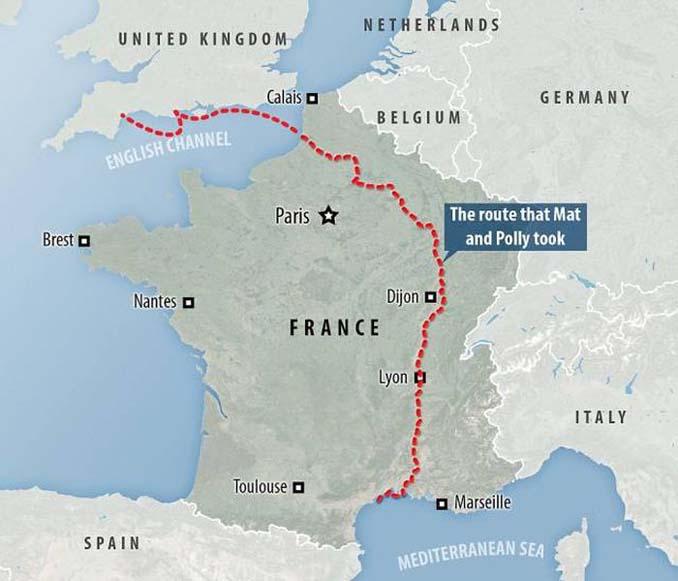 Ζευγάρι ταξίδεψε από την Αγγλία στην Γαλλία με σκάφος που κατασκεύασαν μόνοι τους (14)
