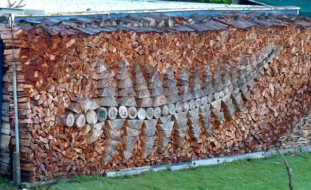 Άνθρωποι που μετέτρεψαν τις στοίβες ξύλων σε μορφή τέχνης (4)