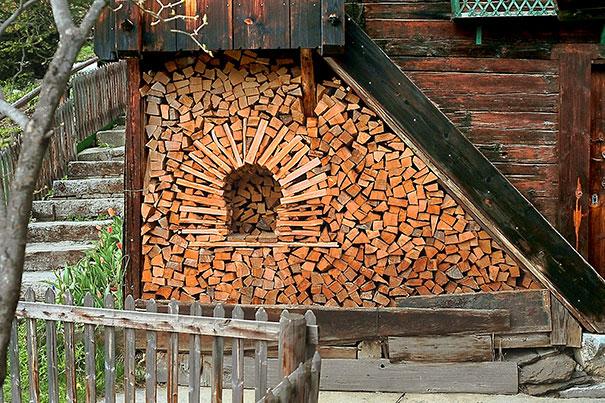 Άνθρωποι που μετέτρεψαν τις στοίβες ξύλων σε μορφή τέχνης (7)