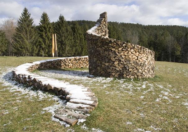 Άνθρωποι που μετέτρεψαν τις στοίβες ξύλων σε μορφή τέχνης (8)
