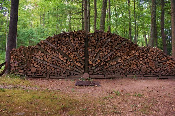 Άνθρωποι που μετέτρεψαν τις στοίβες ξύλων σε μορφή τέχνης (22)