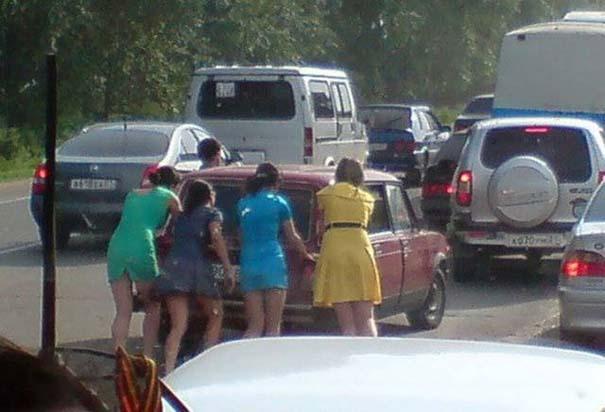 Γυναίκες και αυτοκίνητα: Καταστάσεις σαν κι αυτές έχουν βγάλει την... κακή φήμη #2 (16)