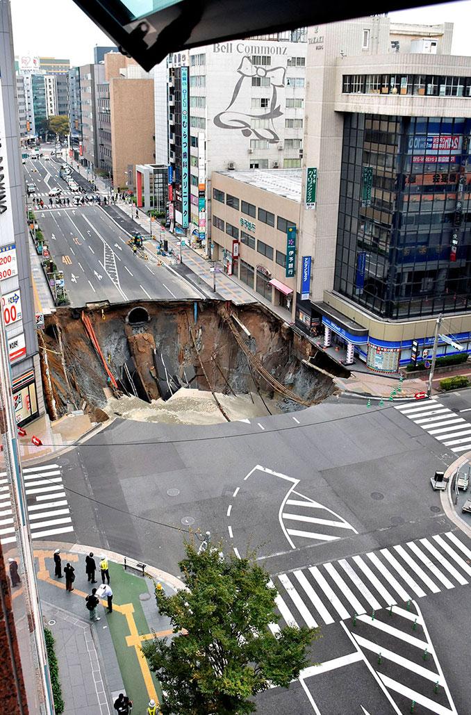 Η Ιαπωνία επισκεύασε αυτή την τεράστια καταστροφή σε μόλις 2 μέρες (1)