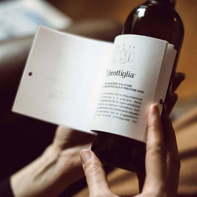 Μπουκάλια κρασιού με μικρές ιστορίες στην ετικέτα (6)