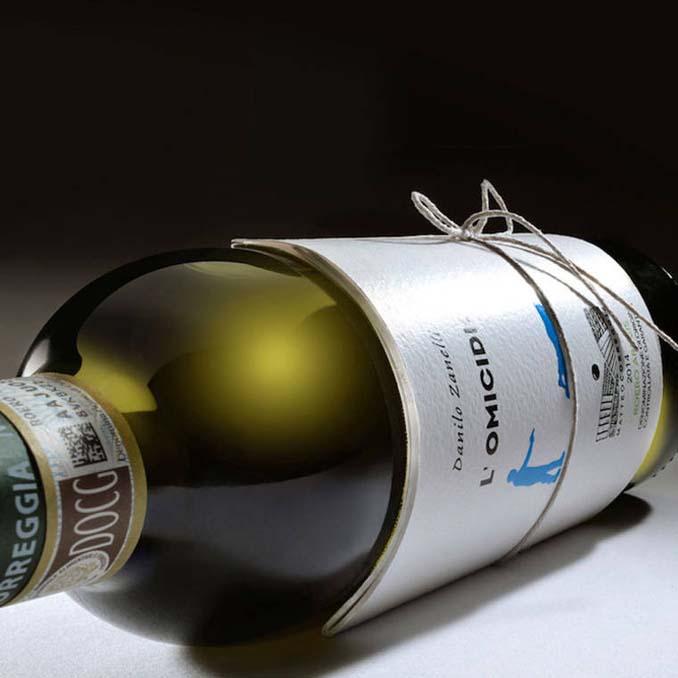 Μπουκάλια κρασιού με μικρές ιστορίες στην ετικέτα (8)