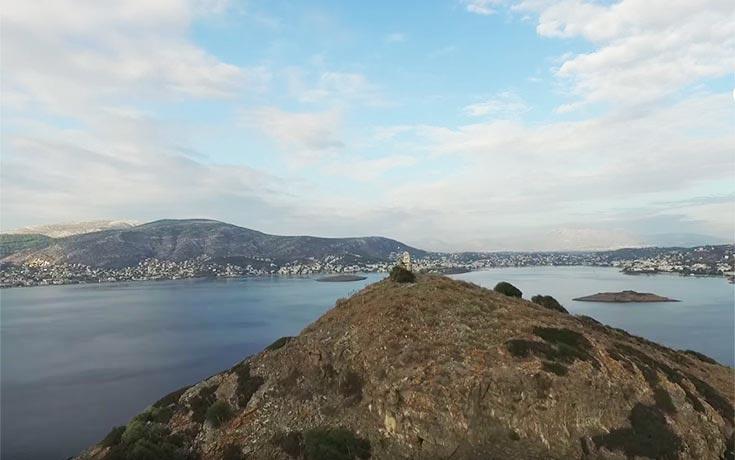 Ο μύθος της μαρμαρωμένης πεντάμορφης στο νησάκι απέναντι από το Πόρτο Ράφτη