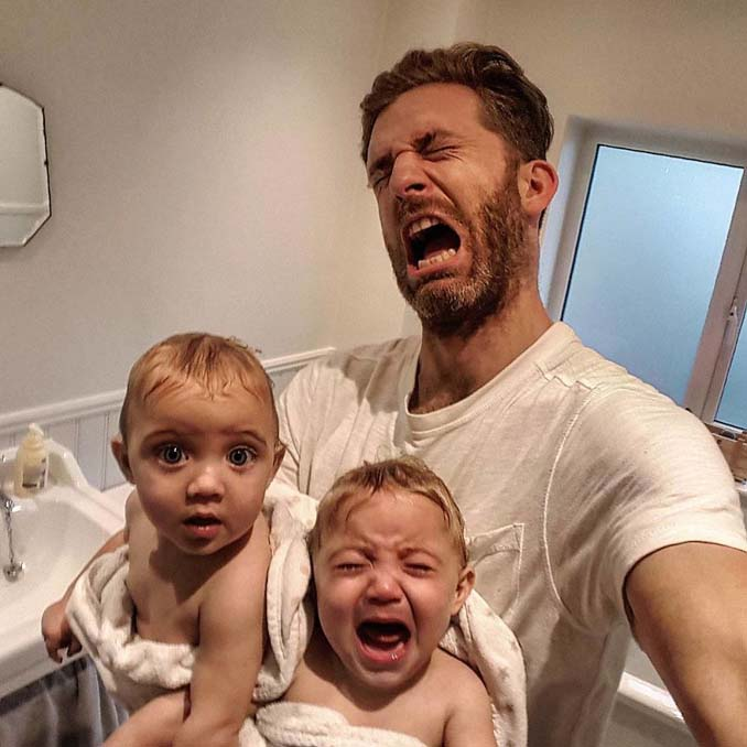 Πατέρας 4 κοριτσιών κατακτά το Instagram με τις τρελές φωτογραφίες της καθημερινότητας του (14)