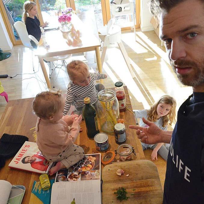 Πατέρας 4 κοριτσιών κατακτά το Instagram με τις τρελές φωτογραφίες της καθημερινότητας του (25)