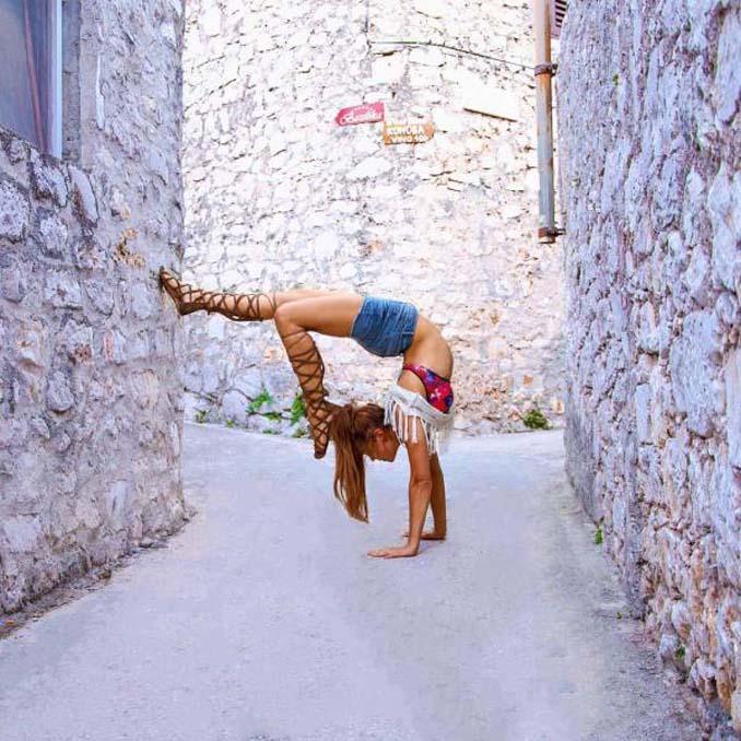 Σουηδέζα πιλότος κατακτά το Internet με την hot yoga της (13)