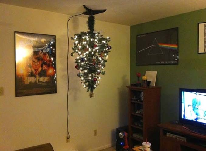 Χριστουγεννιάτικα δένδρα που σχεδιάστηκαν για να αντέξουν από παιδιά και κατοικίδια (4)