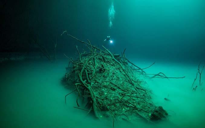 Υποβρύχια λίμνη στο Μεξικό που προκαλεί δέος (5)