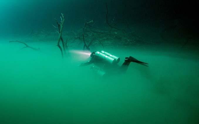 Υποβρύχια λίμνη στο Μεξικό που προκαλεί δέος (7)