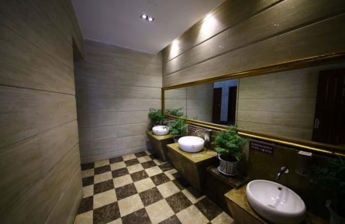 5αστερη τουαλέτα στην Κίνα (5)