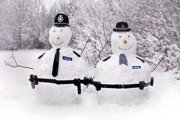 Δημιουργικοί χιονάνθρωποι που χαρίζουν άφθονο γέλιο (7)