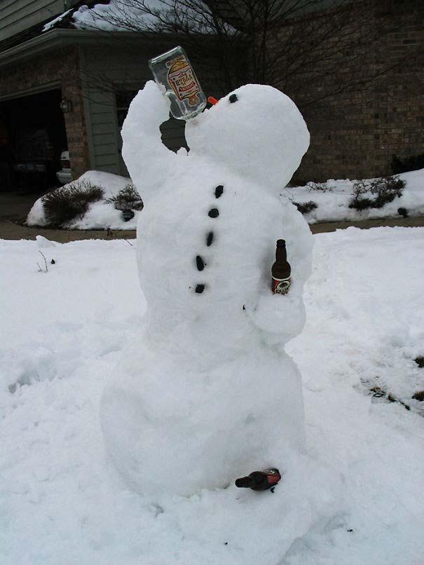 Δημιουργικοί χιονάνθρωποι που χαρίζουν άφθονο γέλιο (10)
