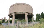 Εγκαταλελειμμένος πύργος νερού μετατράπηκε σε εντυπωσιακή κατοικία (3)